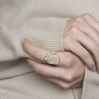 Model Silver and Sea gem Atoll Ring